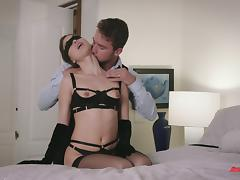 He keeps her blindfolded while he fucks her mouth and pussy