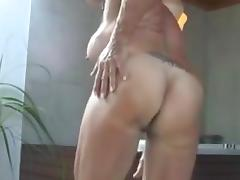 Sexy fitness babe rubs until this babe orgasms