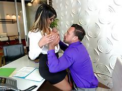 Secretary slut sucks his boner and gets banged on the desk