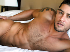 Cody Cummings in Solo time for the Italian stallion! XXX Video