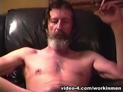 Mature Amateur Glen Jacking His Cock - WorkinMenXxx
