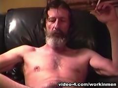 Mature Amateur Glen Jacking His Cock - WorkinMenXxx