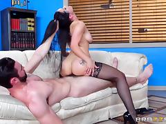 Bearded guy is happy to have sexy Katrina bounce on his dong