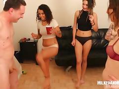 5 Girls Ballbusting