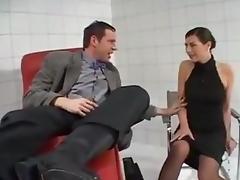 Pissing german