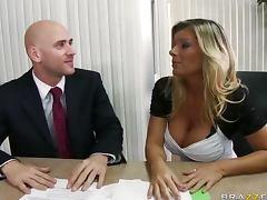 Boss, Boss, Sex