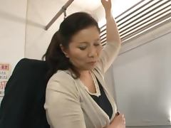 Mature Japanese Slut Chizuru Iwasaki Having Sx in a Train video