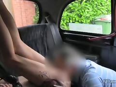 Leggy amateur fucked and cummed in taxi