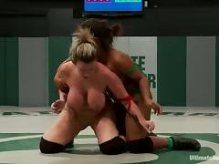 Yasmine Loven toys Sara Jay wqith a strap-on in a ring