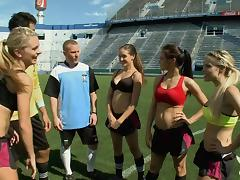 girl's soccer crew @ trip acclimatize 1, ep. 1 0