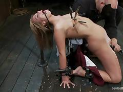 Tara Lynn Foxx gets a few orgasms while bestial punished in a cellar