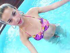 Pretty Young Shemale With A Hot Body Masturbating In Her Swimming Pool