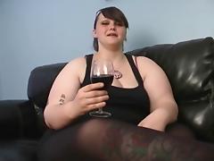 Milla Monroe - Wine