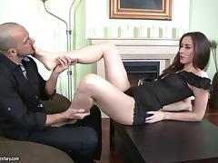 Delightful Aruna Aghora Shares A Foot Fetish With A Dirty Guy
