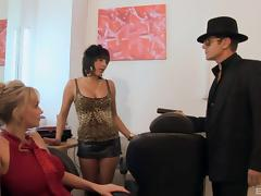 Two insatiable tramps share a wang in amazing FFM clip